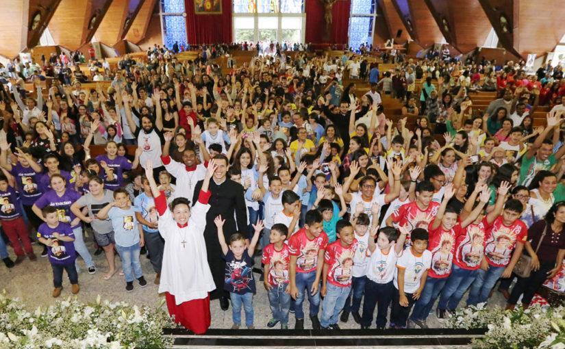 Missa Anual dos Coroinhas tem maior público dos últimos anos