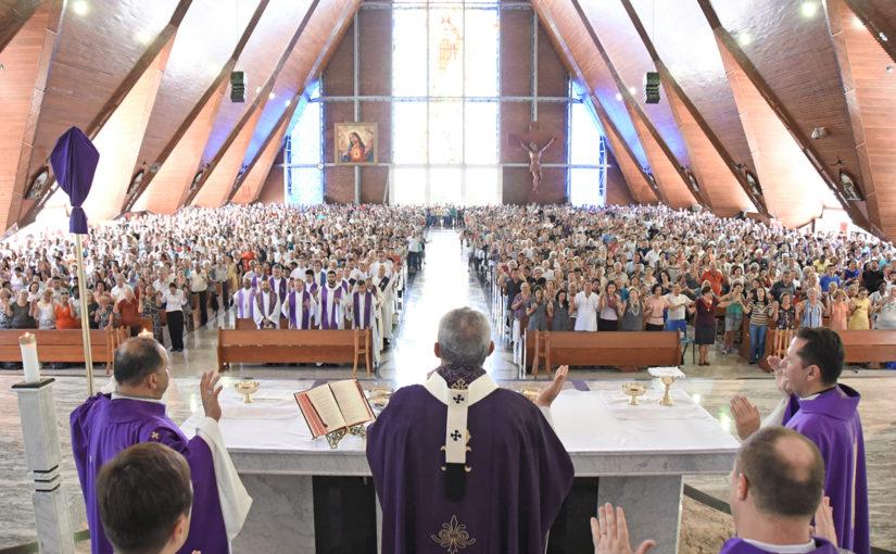 Missa de Cinzas na Catedral abre Quaresma e Campanha da Fraternidade na arquidiocese