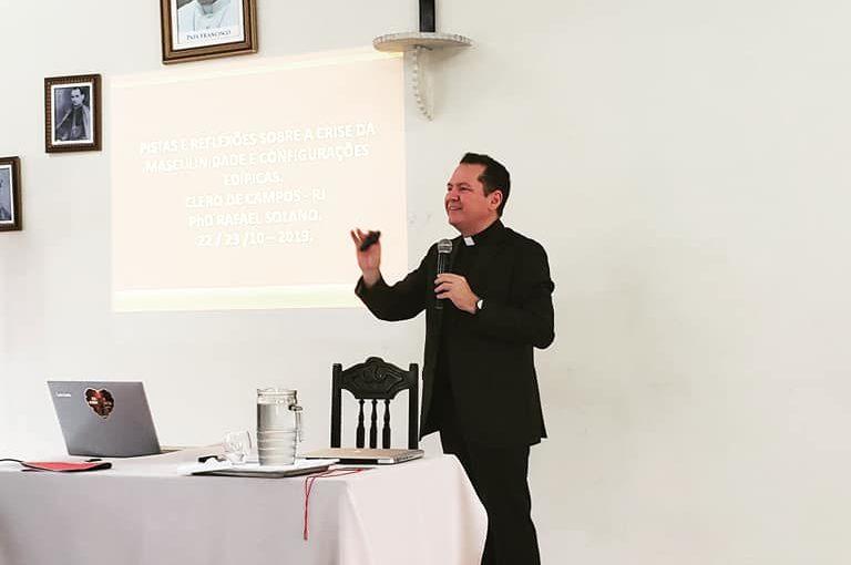 Diocese de Campos promoveu curso de atualização do clero