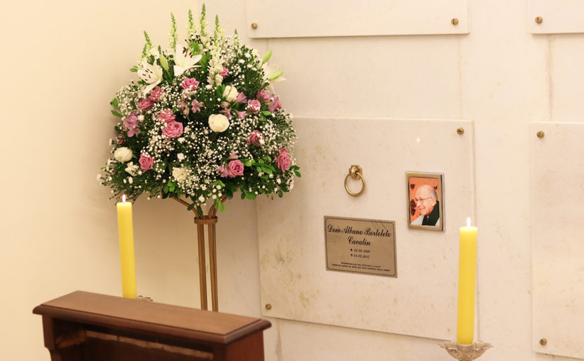 Visite a cripta de Dom Albano
