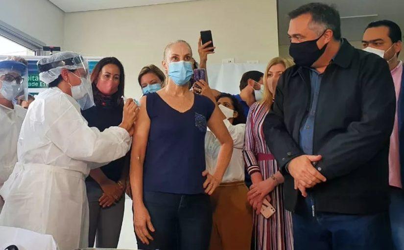 Começa a primeira fase da vacinação contra Covid-19 em Londrina